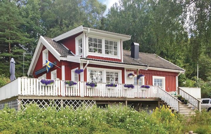 Nice home in Henån with WiFi and 2 Bedrooms