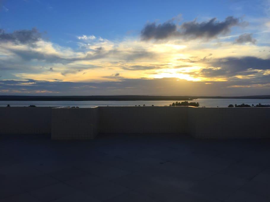 Vista do Rio Paraíba e por do Sol do Salão de Festas e Observatório.