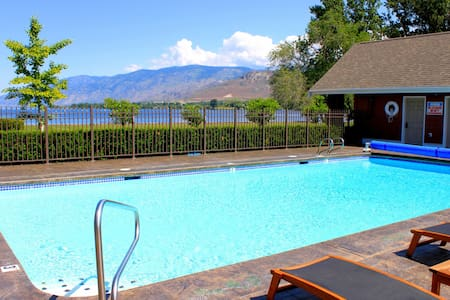 Gorgeous 3 Story Townhouse on Lake Osoyoos - Oroville - Таунхаус