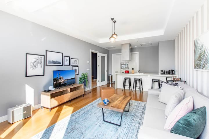 On-Trend Mashattan 2BR with Outdoor Pool