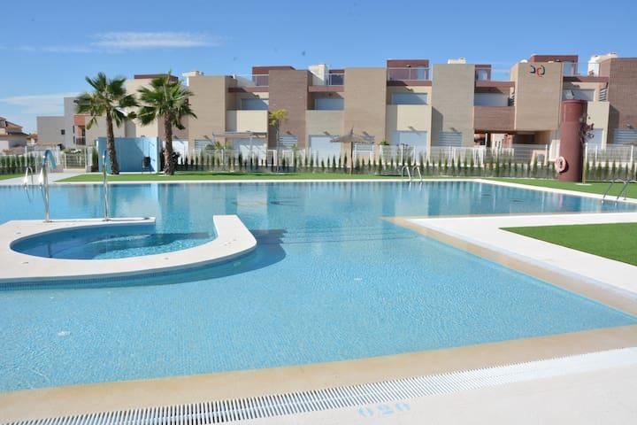 Bel appartement moderne 3 chambres - Torrevieja - Wohnung