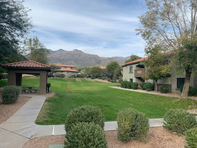 3 beds/ 2 baths private condo near Sabino Canyon.