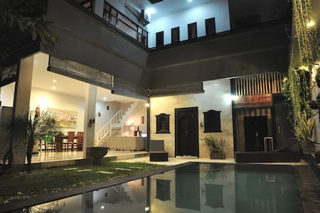 Beautiful Villa with Big Pool - 6 pers ***** - Kuta - Villa