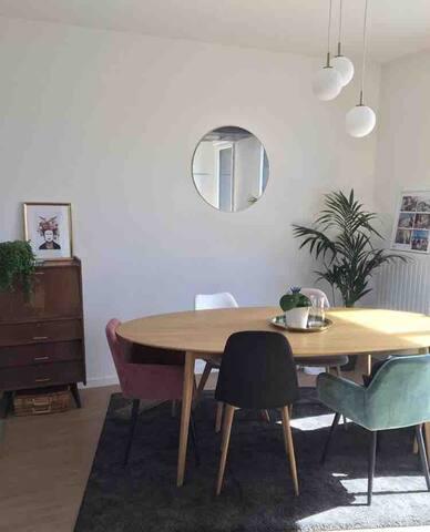 •Chambre avec terrasse et parking privé à Nantes•