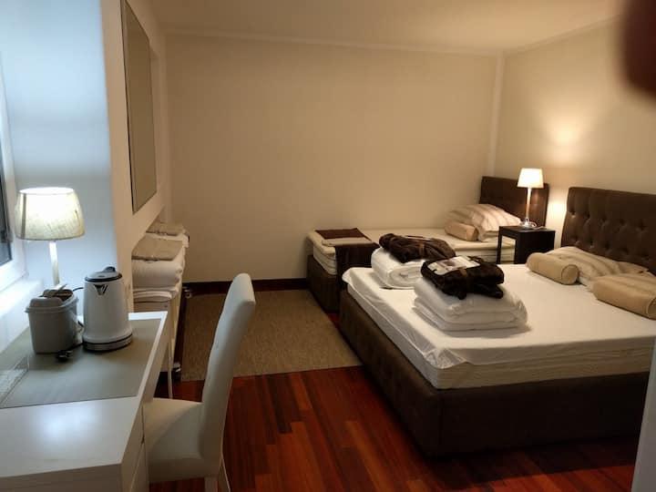 appartamento in villa ingresso riservato vicino A8