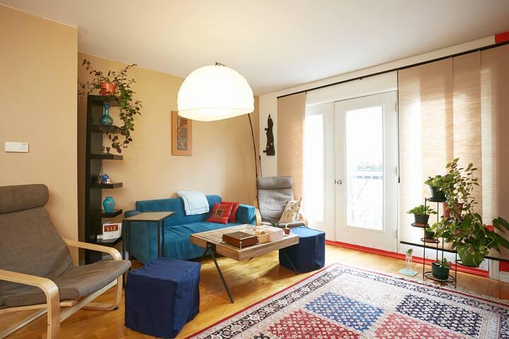 One bedroom in a 2-bedroom condo in Plateau
