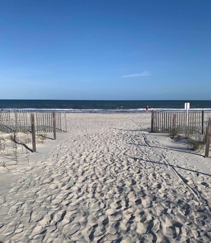Oceanfront villa in gated Resort, 3 min to beach