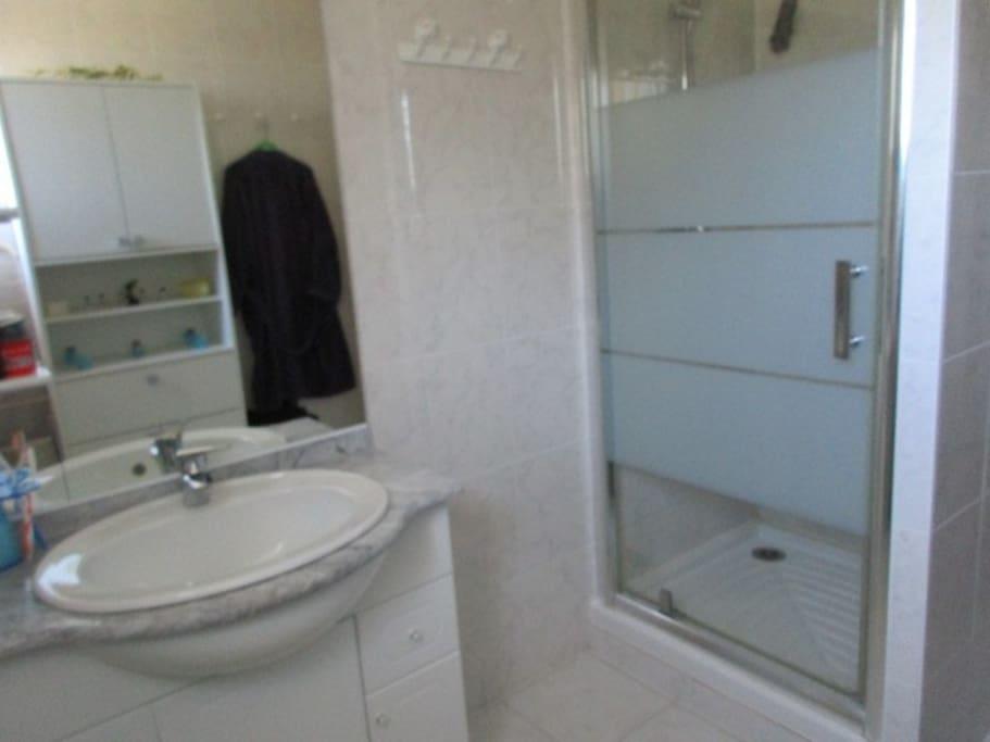 Chambre d 39 h te chez l 39 habitant guesthouse for rent in - Chambre d hote chez l habitant ...