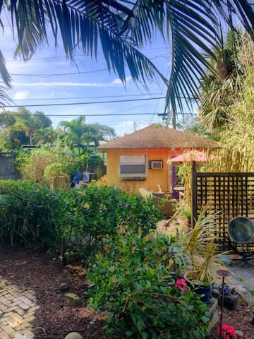 Cottage in Downtown Delray - Pineapple Grove