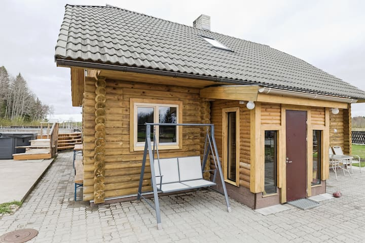 Cozy house with garden & hot tub near Tallinn