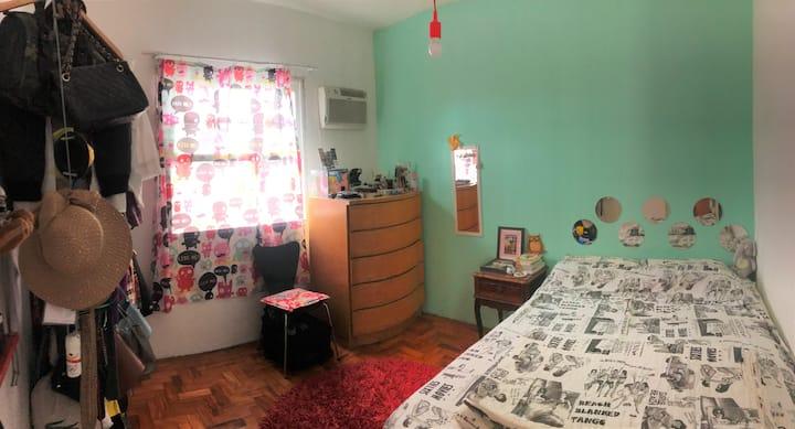 Aconchegante apartamento retrô na Vila Belmiro