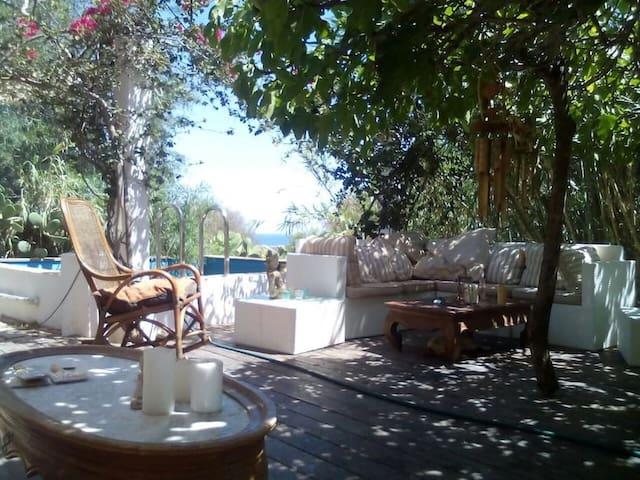 Finca with beautiful Terrace - Sant Jordi de ses Salines - Dům