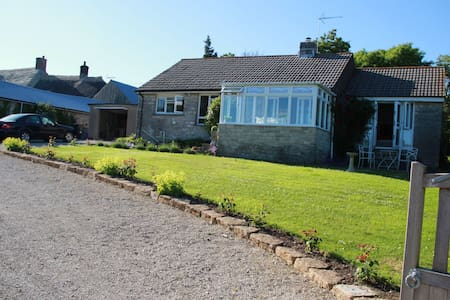 Relaxing Cottage near Corfe Castle, Coastal Walks - Church Knowle - Bungalow
