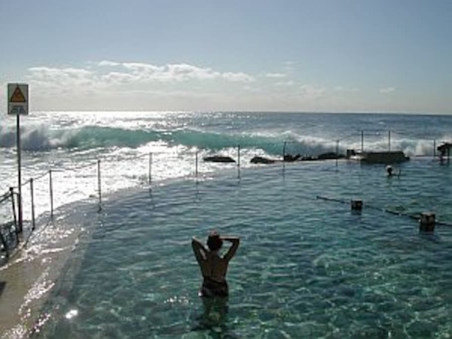 Bronte pool awaits you!
