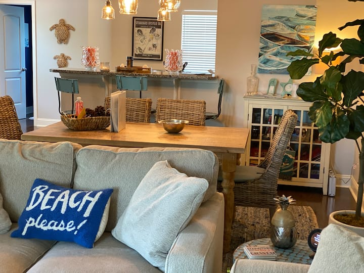 Nearly New Townhome central to Rehoboth and Dewey