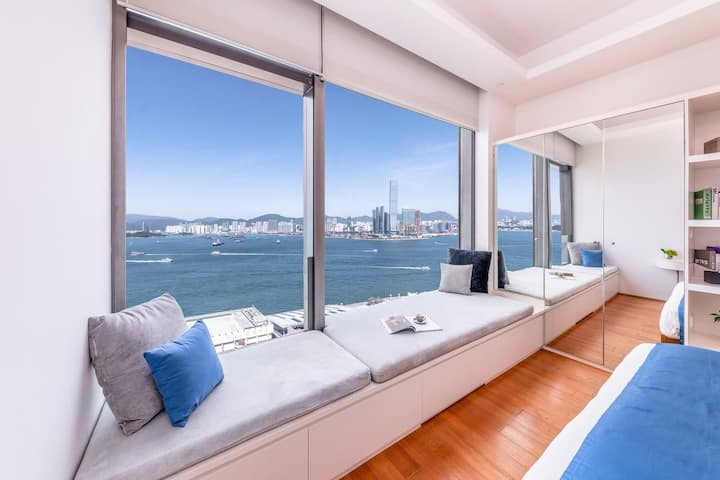 Spacious serviced apt w/ amazing harbour views!