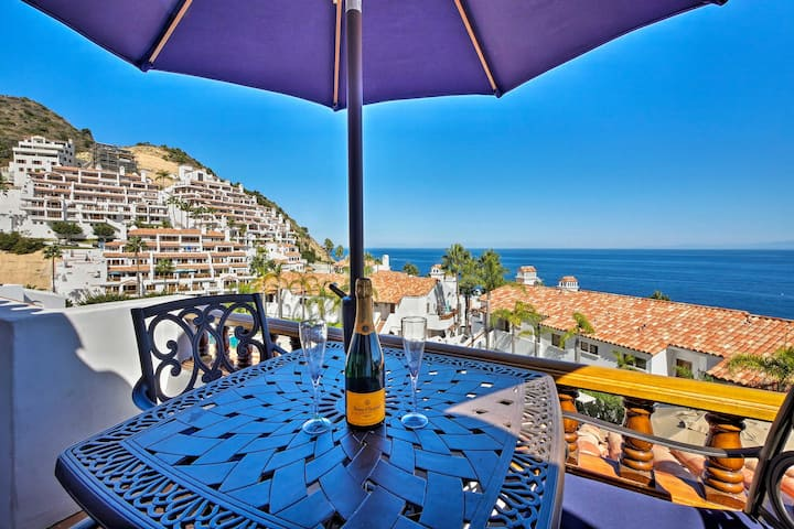 Catalina Villa w/ Dazzling Ocean Views & Amenities