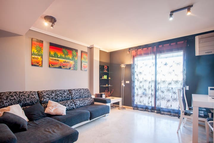 HABITACION DE MATRIMONIO EN ATICO - Massanassa - Appartement