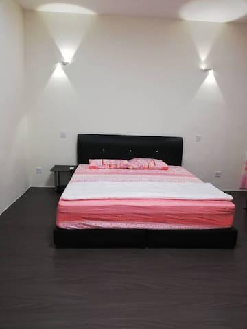 Room 1, 主人房特大床