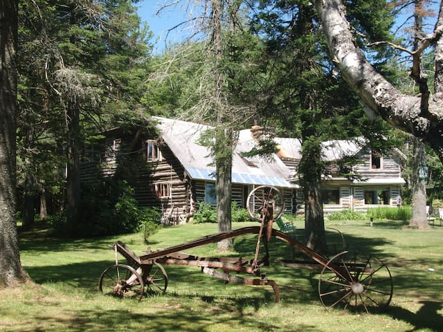 Ye Olde Log Cabin - Woodford - Vacation home