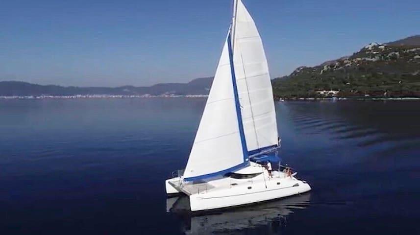 Overnight trip on Yacht 38 ft. 1-6 pax