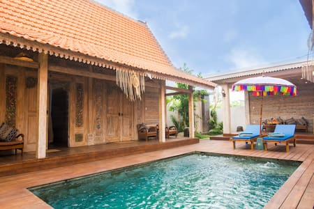 Canggu Paradise: own house The Tree near the pool