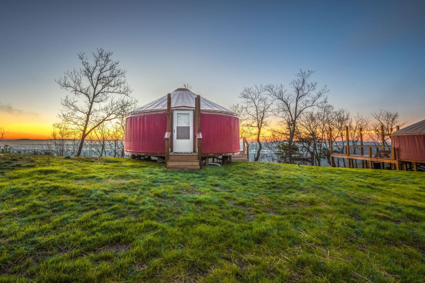The average cost to stay in this yurt is $120