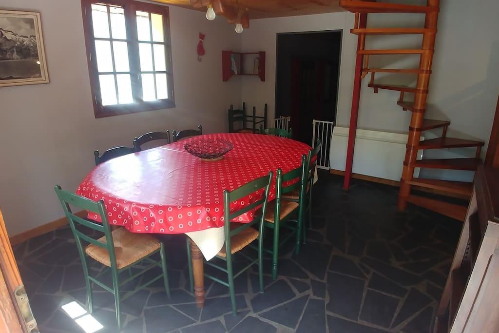 Salle à manger / Dining room
