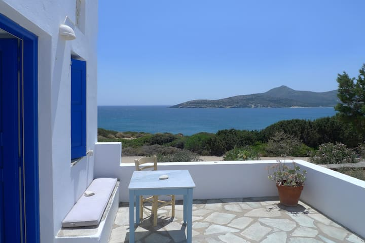 Seafront house in Agios Georgios, Antiparos