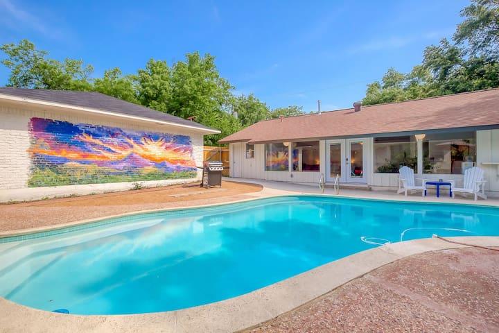 Oak Cliff Pool House
