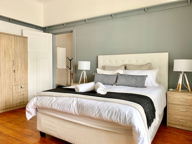 Contemporary flat in bustling Seapoint