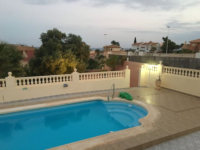 Detached villa with pool in Bolnuevo