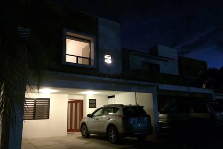 Private room ensuite in Juriquilla - Santiago de Querétaro