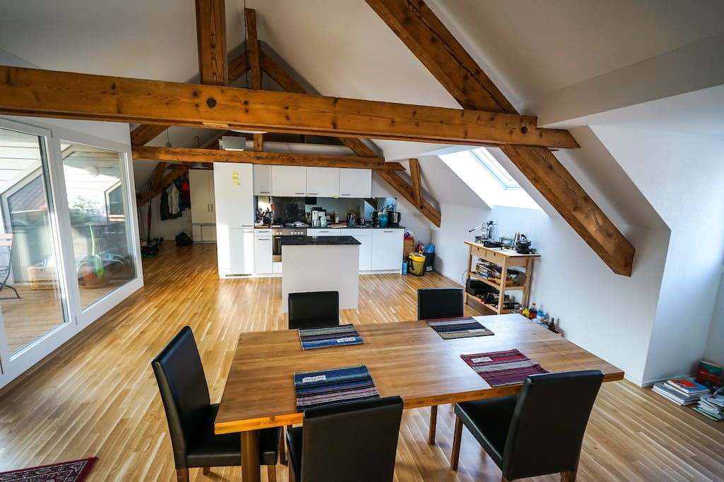 Entree, Küche, Esstisch, Balkon