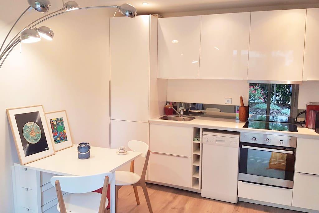 Bel appart cozy avec terrasse proche m tro flats for for Allez cuisine translation