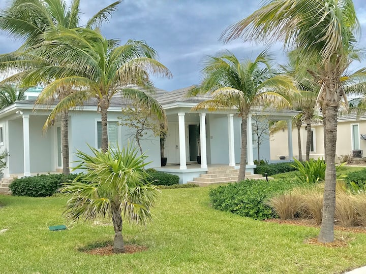 Bimini Palm Island Canal Home with 88ft Dockage