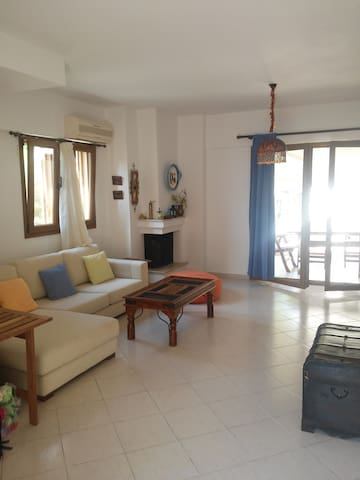 Beautiful Holiday Maisonette in Beachfront Complex - Pefkochori - Rumah