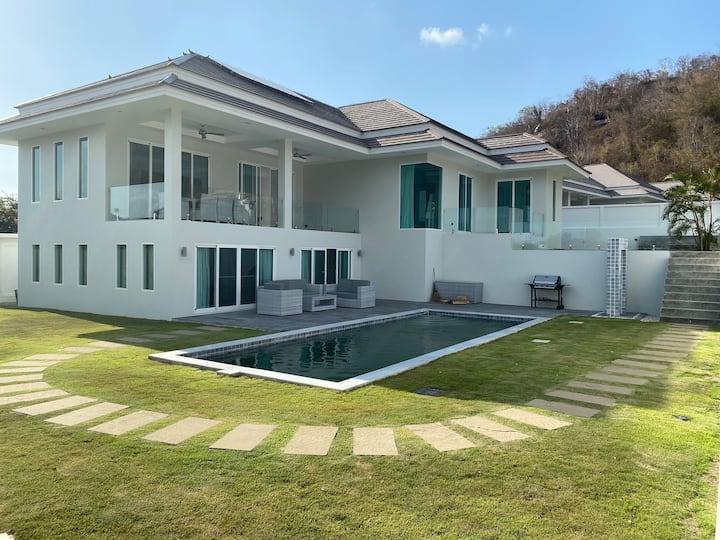 Luxurious Private Villa
