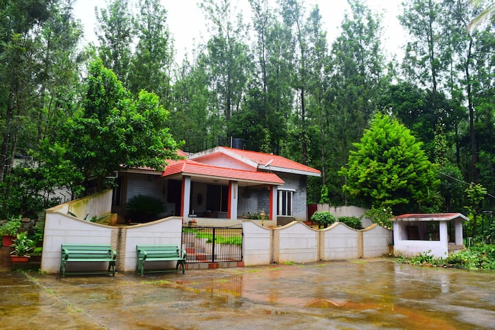 Homestay - 1 Bedroom with an attic in Chikmagalur