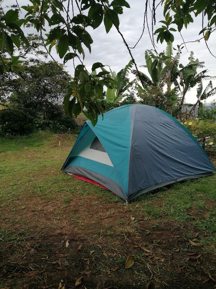 Camping a las afueras de Ibarra.