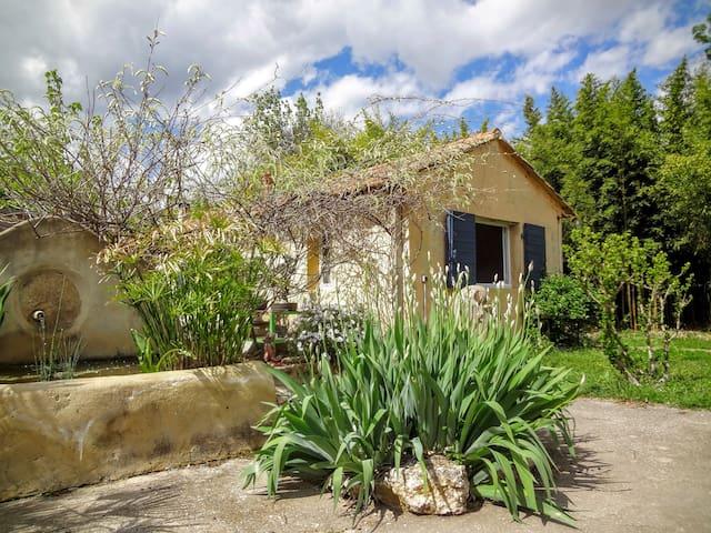 Petite maison à la campagne - Saint-Maximin