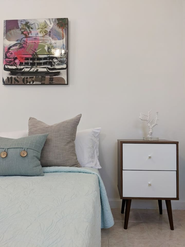 Guest Suite - modern simple clean design