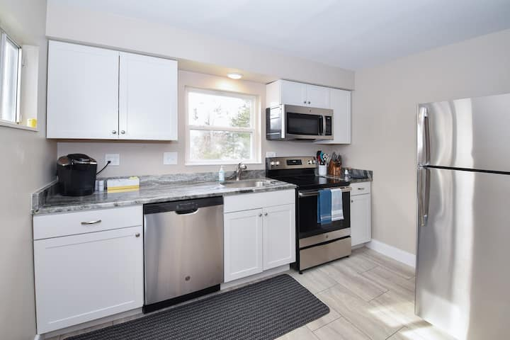 In The Heart of Blue Ash- Close to Kenwood Mall