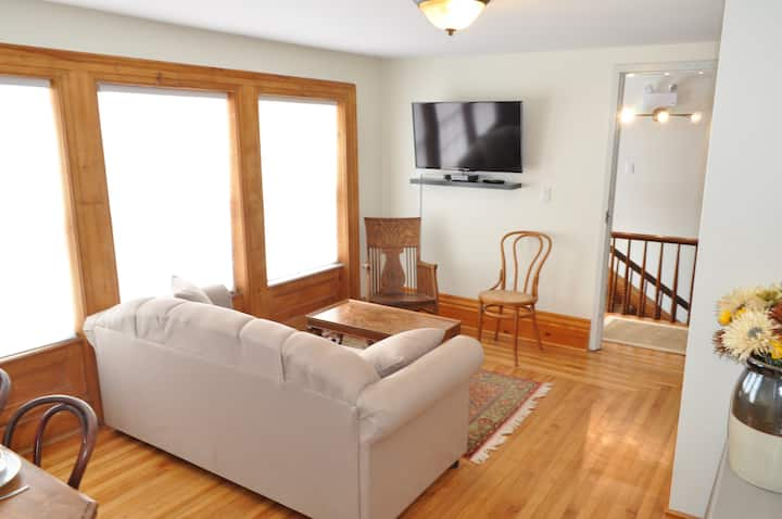 Holman's Heritage Suite #1