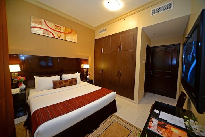 One Bedroom Suite with No-refund