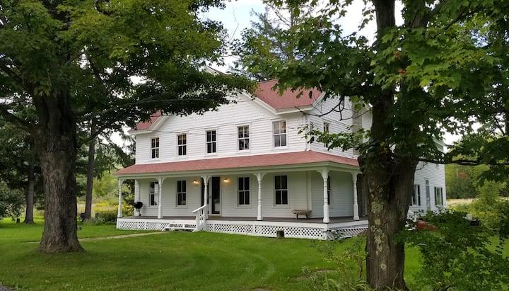 4 bedroom farmhouse in the Catskills