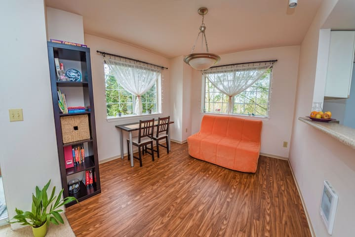 Cozy 1 bed apt 8 mins to Microsoft - Redmond - Flat