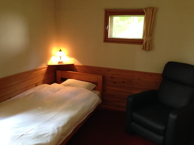 Tomten Lodge -Western Single room - Abutagun, Niseko-cho,  - Bed & Breakfast