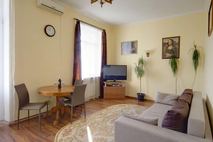 Квартира с видом на Золотые Ворота, Лысенко 4.