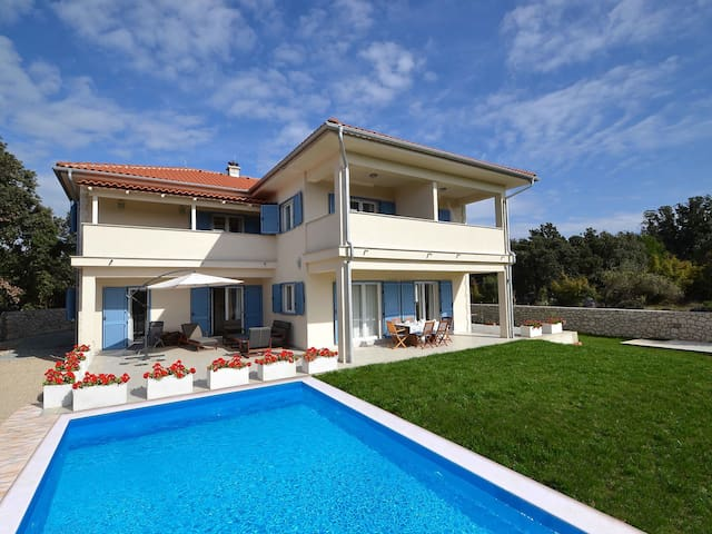 Holiday home Zoran